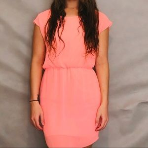 Bright pink city triangle dress size small (EUC)